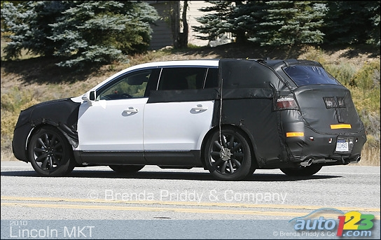 2010 Lincoln MKT spied!