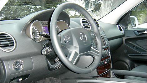 Mercedes Ml320. 2009 Mercedes-Benz ML320