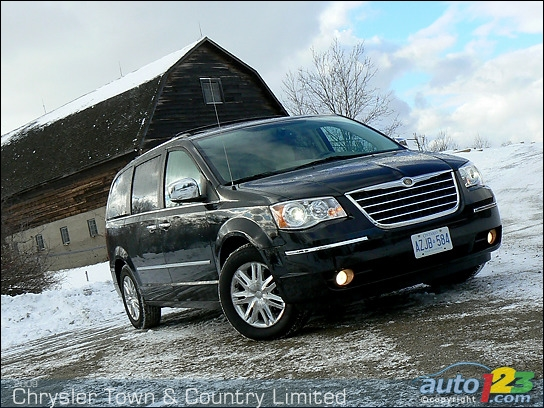 Chrysler Town & Country Limited 2009 : essai routier