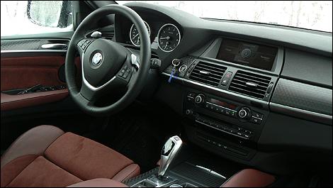 Essais routiers par des experts de l 39 industrie auto123 for Interieur x6