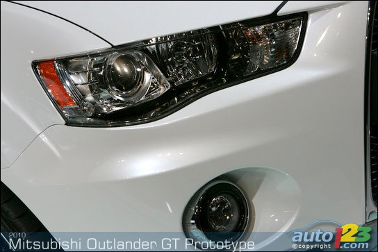 Mitsubishi's Outlander GT Prototype rolls into New York