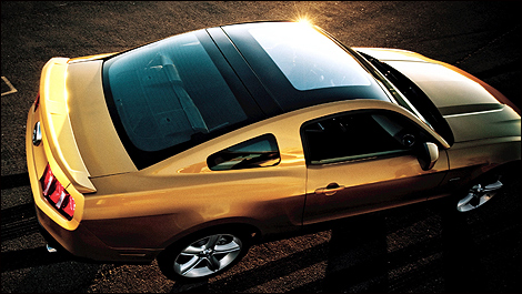 2010-ford-mustang-i08.jpg