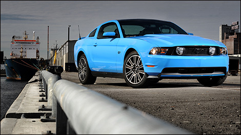 Black Ford Mustang Gt 2010. 2010 Ford Mustang GT Review