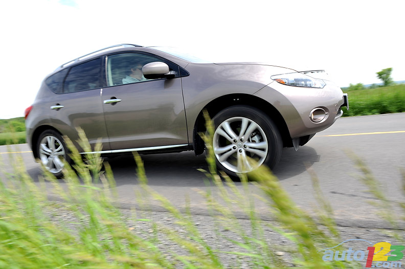 2009 nissan murano le awd review airport nissan. Black Bedroom Furniture Sets. Home Design Ideas