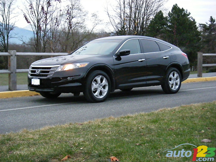 Delightful Condensed Review: 2010 Honda Crosstour