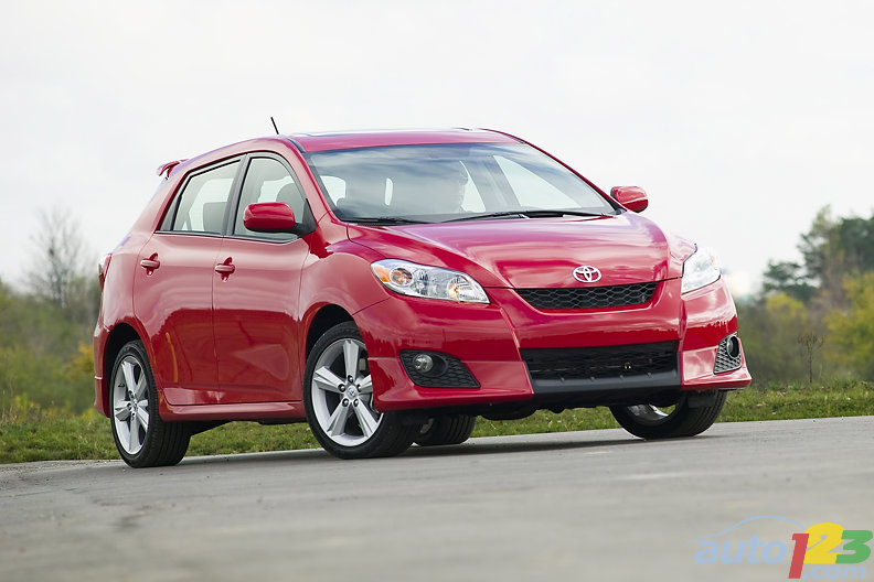 2010 Toyota Matrix XR Review: Photo Gallery | Auto123.com