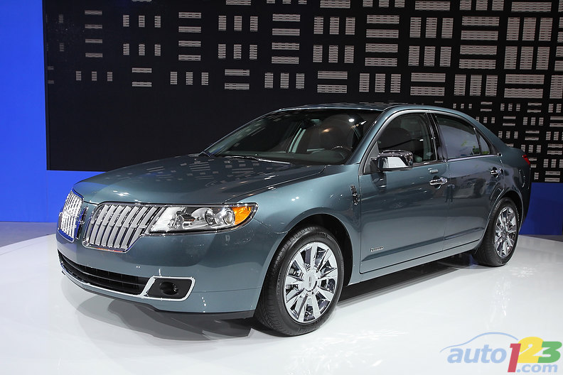 2010 New York Autoshow: 2011 Lincoln MKZ Hybrid
