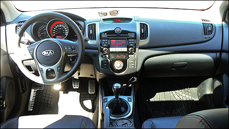 Free amazing hd wallpapers kia forte koup interior for 2010 kia forte koup interior