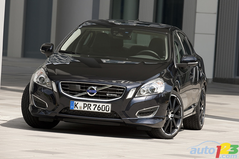 Black, flat, strong: Volvo S60 T6 Design by Heico Sportiv