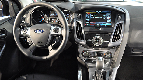 Essai routier ford focus 2012 premi res impressions for Miroir ford focus