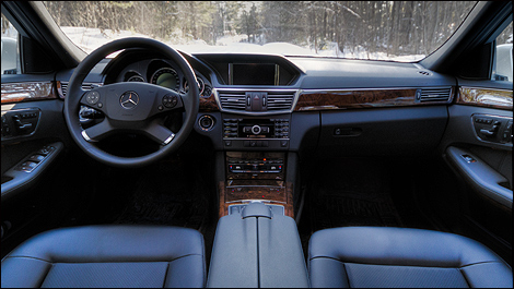 http://www.auto123.com/ArtImages/127779/mercedes-benz-e350-2011_i02.jpg