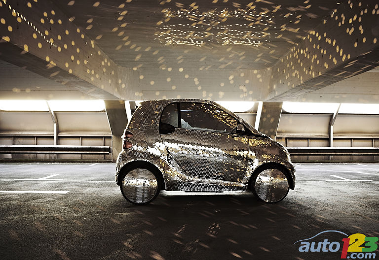 An electric smart fortwo worthy of Studio 54