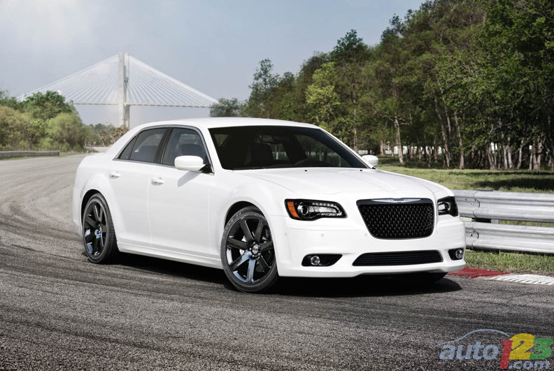 New York 2011: 2012 Chrysler 300 SRT8 roars to life in the Big Apple