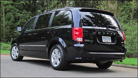 2011 dodge grand caravan crew review car news auto123. Black Bedroom Furniture Sets. Home Design Ideas