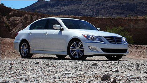 2012 hyundai genesis first impressions car news auto123. Black Bedroom Furniture Sets. Home Design Ideas