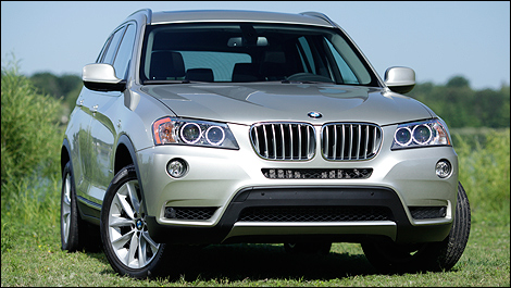 2011 BMW X3 xDrive35i front 3/4 view