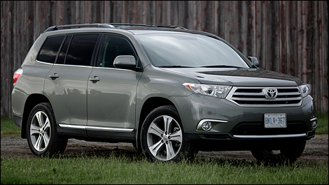 Toyota Highlander 4WD V6 Sport review - 2011 SUV comparison test