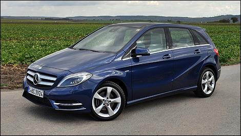 Mercedes-Benz-B-class-2013_i04.jpg