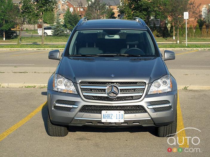 2011 mercedes benz gl 350 bluetec 4matic review photo for Mercedes benz gl bluetec review