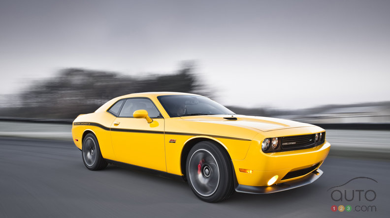 Chrysler introduces the 2012 Dodge Challenger SRT8 392 Yellow Jacket