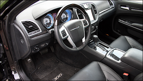 2011 Chrysler 300C AWD Review Editor's Review | Page 2 | Auto123.com