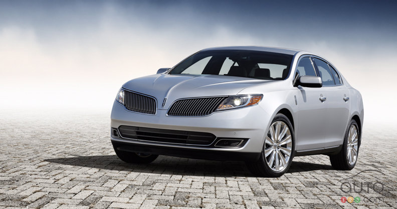 Los Angeles 2011: 2013 Lincoln MKS breaks cover