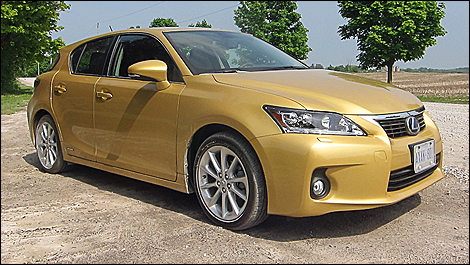 2011 Lexus CT 200h front 3/4 view