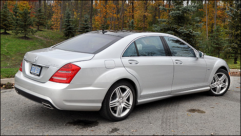 2012 Mercedes-Benz S 350 BlueTEC 4MATIC rear 3/4 view