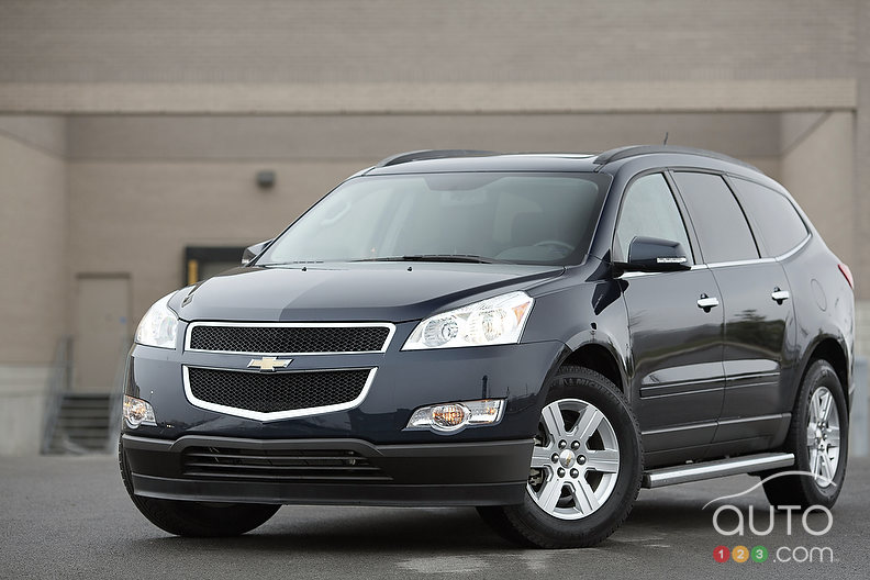 2012 chevrolet traverse 2lt awd review photo gallery. Cars Review. Best American Auto & Cars Review