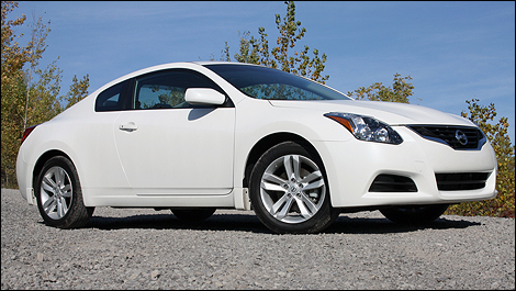 2012 Nissan Altima Coupe 2.5 S 3/4 front view