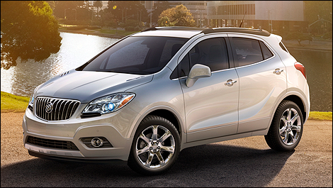 Battle of the cute utes honda vezel vs for Buick encore vs honda hrv