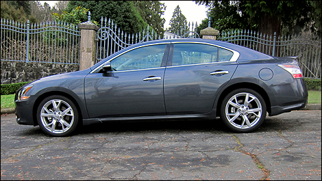 2012 Nissan Maxima 3.5 SV left side view