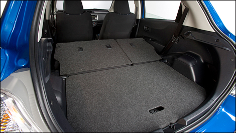 toyota yaris hatchback le 5 portes 2012 essai routier. Black Bedroom Furniture Sets. Home Design Ideas