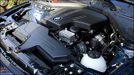2012 BMW 3 Series Sedan engine