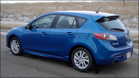 2012 Mazda3 Sport GS-SKY 3/4 rear view
