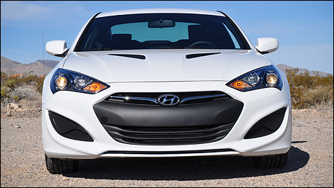 2013 Hyundai Genesis Coupe face view