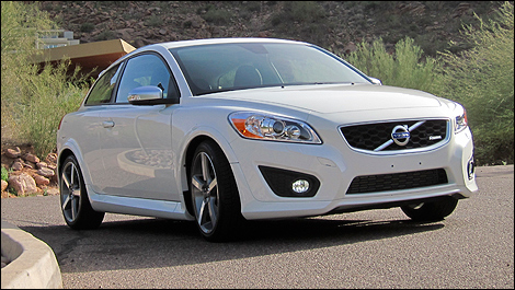 2012 Volvo C30 T5 R-Design front 3/4 view