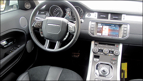 range rover evoque pure 2012 essai routier. Black Bedroom Furniture Sets. Home Design Ideas