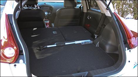 2012 nissan juke cargo space. Black Bedroom Furniture Sets. Home Design Ideas