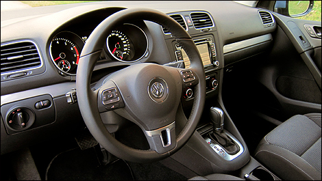 2012 Volkswagen Golf 2.5L Sportline 5-Door dashboard