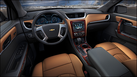 2013 Chevrolet Traverse cockpit