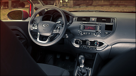 2012 Kia Rio 5-door dashboard