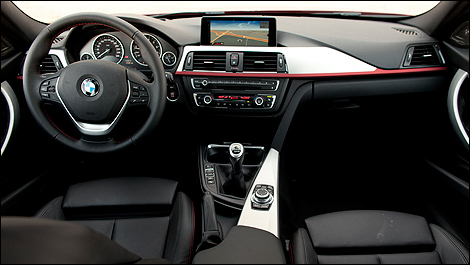 2012 BMW 335i Sport Sedan dashboard
