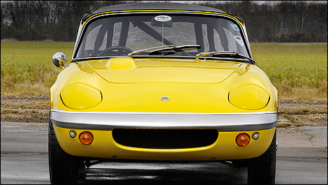Lotus Elan Front view
