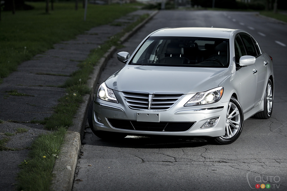 2012 hyundai genesis 3 8 review photo gallery. Black Bedroom Furniture Sets. Home Design Ideas