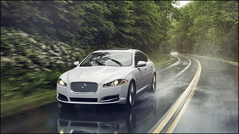 2013 Jaguar XF AWD i1 Jaguar XF gets turbo four cylinder engine and AWD for 2013