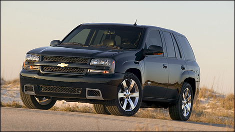 2007 Chevrolet TrailBlazer front 3/4 view