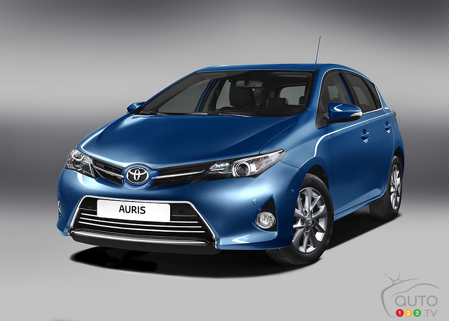Toyota Auris prepares for Paris debut