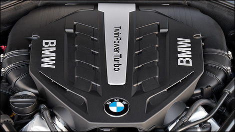 2013 BMW 7 Series engine