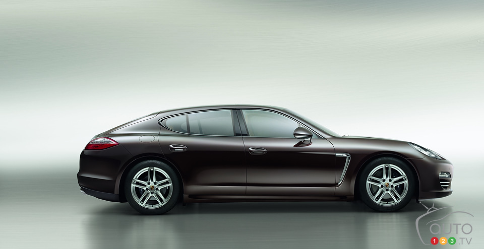 Porsche adds Panamera Platinum Edition